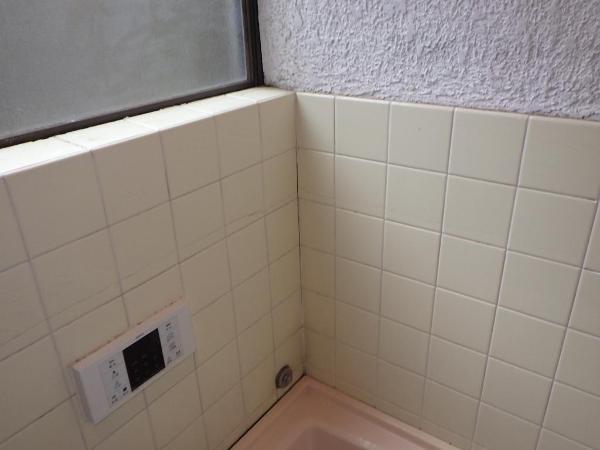 浴室タイル割れ