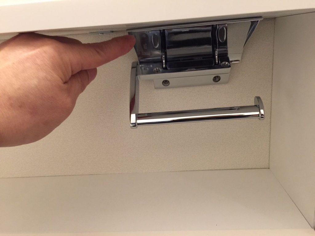トイレットペーパーが入れられないペーパーホルダー