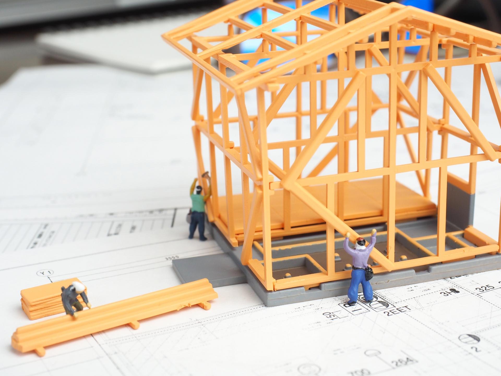 新築工事どこに頼む?ハウスメーカー、工務店