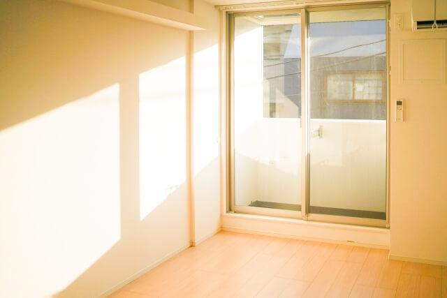 室内の明るさ、ベランダの排水などもしっかり見ておく